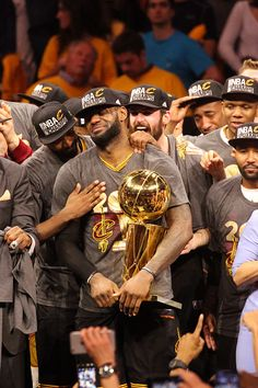 LeBron James of the Cleveland Cavaliers holds up the Larry O'Brien Trophy after the 2016 NBA Finals Game Seven against the Golden State Warriors o Basketball Pictures, Love And Basketball, Basketball Legends, Sports Basketball, Basketball Players, Nba Pictures, Basketball Finals, Basketball Quotes, Lebron James Finals