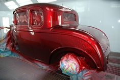 "House of Kolor ""Kandy Apple Red"" Over ""Flake Silver"" base Black Candy Apples, Candy Apple Red, Red Candy, Red Apple, Candy Paint Cars, Candy Red Paint, Candy Car, Air Brush Painting, Car Painting"