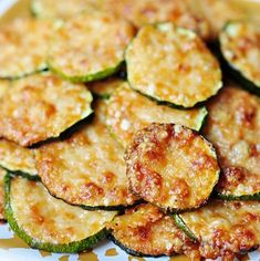 slices work pretty perfectly. And since I like to put a generous mound of grated Parm on each round, I end up using about 1/4 cup of cheese per every medium-sized zucchini that I slice up. Baked Zucchini Parmesan, Zuchinni Recipes, Bake Zucchini, Zucchini Rounds, Zucchini Side Dishes, Veggie Dishes, Veggie Snacks, Good Healthy Snacks, Veggie Recipes