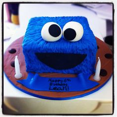 Monster Cake plus a ton of fun & creative Monster Party ideas Crazy Cakes, Fancy Cakes, Fondant Cakes, Cupcake Cakes, Cookie Monster Cupcakes, Monster Cakes, Sesame Street Cake, Cakes For Boys, Kid Cakes
