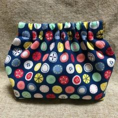 Diy Purse, Love Sewing, Needlework, Sewing Projects, Lunch Box, Patches, Purses, Knitting, Pattern