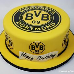 #Fußballcake #astorten #konditormeister #foodphotography #weddingcake #borussia #dortmund #torte #borussiadortmundtorte #Germany #foodporn #motivtorte #Macarons #BVB #Düsseldorf #Neuss #Köln #ruswedding #redvelvetcake #torte #heiraten #handmade #Wedding #подарок #торт #катеринг #макаронс #catering #Candy #cupcake Soccer Cake, Soccer Party, Germany Football Team, Getting Hungry, Happy B Day, Macarons, Amazing Cakes, Happy Birthday, Birthday Cake