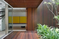 A house inside / outside with Studio Guilherme Torres