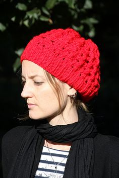 Shroom, a red hat #free #pattern #knitting