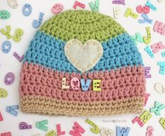 Love button #crochet hat free pattern, all sizes, from @repeatcrafterme