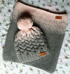 Knitted cap and snood - Knitting - Country Mom - Knit and Crochet - Awesome knitted and crocheted items and patterns. Crochet Beanie, Knitted Hats, Crochet Hats, Love Crochet, Knit Crochet, Knitting Projects, Crochet Projects, Knitting Patterns, Crochet Patterns