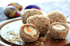 Scotch Creme Eggs We all love a Scotch egg – on a picnic out or as a delicious snack at home. But this year we bring you a recipe for the ultimate Scotch egg – the Scotch Creme Egg. Soft madeira cake, strawberry jam and Creme Egg Cake, Creme Eggs, Cream Egg Brownies, Chocolate Brownies, Cadbury Creme Egg Recipes, Cadbury Eggs, Yummy Snacks, Yummy Food, Fun Food