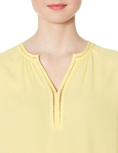 Easy to style and comfortable to wear, this do-it-all blouse is one no-brainer!