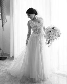 #PninaBride @acvinograd is beautifully bridal in her #PninaTornai gown.  Eva at Ave Sol