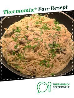 Spaghetti mit Bärlauch-Frischkäse-Sosse und Hühnchenbrust Spaghetti with wild garlic cream cheese sauce and chicken breast from Schirmle. A Thermomix ® recipe from the main meat with meat category www.de, the Thermomix® Community. Healthy Chicken Spaghetti, Spaghetti Squash Recipes, Healthy Chicken Recipes, Cream Cheese Sauce, Courge Spaghetti, Wild Garlic, Yum Yum Chicken, How To Cook Pasta, Sauce Recipes