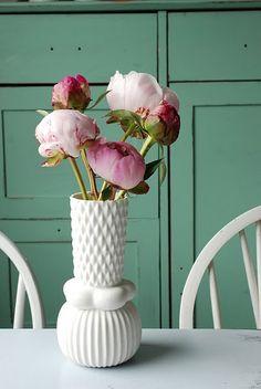 Peonies in a vintage vase, so pretty.