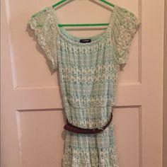 🎈1 HR SALE🎈Belted Pastel Green Dress Belted Pastel Green Dress  Size M Dresses Midi