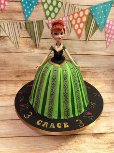 Coronation Anna Cake by Kizzy's Cakes