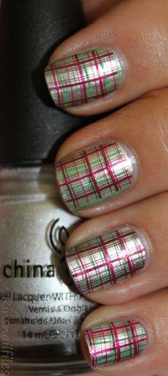 Christmas Nail Art - nailartgallery.nailsmag.com Nail Art Gallery.  this is my favorite so far