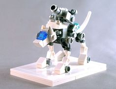 AwesomeSmash showcases all that is awesome including creative design, gadgets, geeky stuff to buy, awesome LEGO creations, art and much more. Robot Lego, Lego Bots, Lego Mecha, Lego Bionicle, Lego Spaceship, Lego Animals, Robot Animal, Easy Lego Creations, Lego Dragon