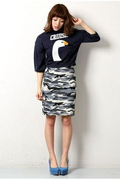 Nomine ノミネ SWAN サガラ裏毛スウェット / swan print sweatshirt on ShopStyle