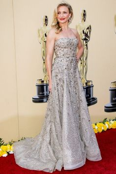 Cameron Diaz in Oscar de la Renta at The Academy Awards 2010
