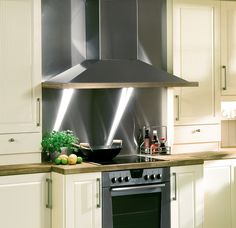VegghengtInspirasjon Kitchen Cabinets, Ceiling Lights, Lighting, Home Decor, Decoration Home, Light Fixtures, Room Decor, Kitchen Base Cabinets, Ceiling Lamp