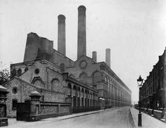 LOTS ROAD POWER STATION | LOTS ROAD | CHELSEA | LONDON | ENGLAND: *Disused coal and later oil-fired power station on the River Thames. It supplied electricity to the London Underground network* Photo: 1923