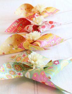 vintage ~ wedding DIY paper pinwheel favours
