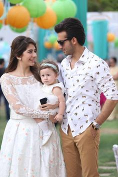Syra and sheroz and their daughter norreh Famous Couples, Cute Family, Pakistani Actress, New Fashion Trends, Pakistani Dresses, Pakistani Bridal, Girls Image, Beautiful Couple, Celebrity Couples