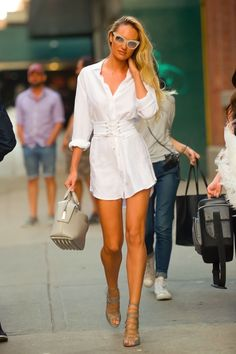 From Victoria's Secret Angel to Model Mommy: Candice Swanepoel's Style Evolution Fashion Models, Fashion Outfits, Womens Fashion, Female Fashion, Fashion Styles, Fashion Wear, Style Fashion, Fashion Hacks, Punk Fashion