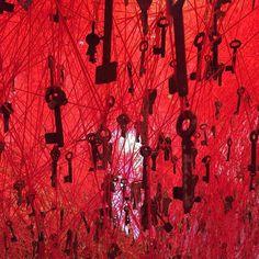 "Chiharu Shiota ""The Key in Hand"" 2015 #chiharushiota #japan #pavillion #biennale #installation #key #yarn #web #space #contemporaryart #japon #pabellon #venecia #venice #arquitectura #bienal #italia #artecontemporaneo #estambre #llave #telaraña #architecture #instalacion #shiota #chiharu #rojo #red #luz #light"