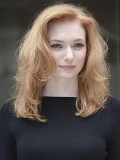 Poldark's Demelza, Eleanor Tomlinson, is dating Aidan Turner's body double in real life! - Now magazine