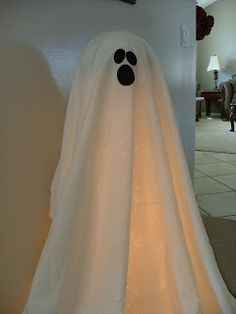 Prepared NOT Scared!: Glowing Ghost Decor!