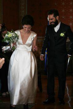Vestido sob medida para noiva - Ateliê Esther Bauman/Acquastudio  Casamento na Itália. Vestido de noiva minimalista.  http://www.estherbaumanblog.com.br/2016/07/vestido-de-noiva-milla.html