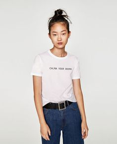 T-SHIRT WITH FRONT SLOGAN - Available in more colours