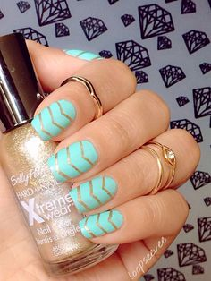 """IG: loopseevee_ Mint and gold nails. Used sally Hansen in Golden-I"""" for the V lines and for the mint I used Summer Brights nail polish. Great Nails, Cute Nail Art, Fabulous Nails, Gorgeous Nails, Cute Nails, Bright Nail Polish, Bright Nails, Polish Nails, Hair And Nails"""