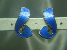 IVAR HOLT-NORWAY STERLING SILVER & BLUE ENAMEL SCREW ON EARRINGS | eBay