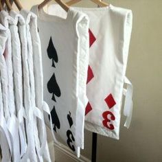 Alice in Wonderland -Playing card costumes-group dance festival costumes Alice In Wonderland Play, Halloween Alice In Wonderland, Wonderland Party, Alice Halloween, Winter Wonderland, Mad Hatter Party, Mad Hatter Tea, Mad Hatters, Homemade Costumes
