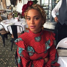 Beyoncé in an #Africanprint . ~African fashion, Ankara, kitenge, African women dresses, African prints, African men's fashion, Nigerian style, Ghanaian fashion ~DKK..