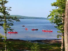 Paddle across Lake Wallenpaupack in a canoe! #PoconoMtns