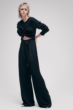 See the complete T by Alexander Wang Pre-Fall 2017 collection.