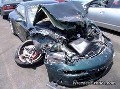 Porsche 911 996 crashed in Van Nuys, California