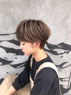 Girl Short Hair, Short Hair Cuts, Short Hair Styles, Short Hairstyles For Women, Girl Hairstyles, Bowl Cut, Cute Cuts, Love Hair, Hair Highlights