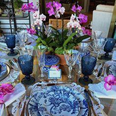 """1,163 curtidas, 25 comentários - Giselle Bassi (@la_table_de_giselle) no Instagram: """"Mesa linda da querida @andrearudge para nos inspirar nesse sábado. No centro da mesa, Andrea…"""""""