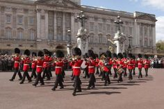 Grenadier Guards at Buckingham Palace - Peter Phipp/Photographer's Choice/Getty Images