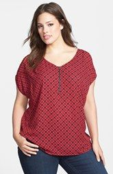 Pleione Zip Placket Print Top (Plus Size)