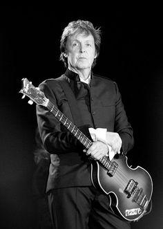 November 9th, 1966: Paul McCartney died   JAQUO Lifestyle Magazine