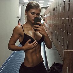 Instagram: bossgirlscertified Great Pic! - Check out more of her pics: bossgirlscertified on The Gym BabeInstagram Caption: Core goals Follow Us For More Gym Babes - Updated hourly!Find Us On: Facebook | Instagram | Twitter | Tumblr