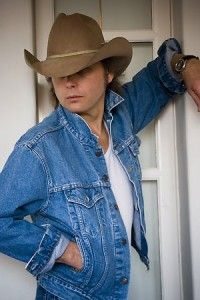 Listen to music from Dwight Yoakam like Guitars, Cadillacs, Fast As you & more. Find the latest tracks, albums, and images from Dwight Yoakam. Male Country Singers, Top Country Songs, Country Music Quotes, Country Music Stars, Country Artists, Country Boys, Don Williams, Dwight Yoakam, Music Heals