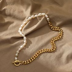 Mason & Madison Co. Has Been Featured On FAIR PRICING$49.99 MASON & MADISON CO.   $180 ESTIMATED RETAIL Half chain & half pearl is big now! This stunning piece does a double-take of chic and elegance. One necklace, three ways of wear supporting completely different styles. Value choice for sure! What You Get:• Half Chain Pearl Necklace• FREE & FAST Trackable U.S. Shipping• Worry-FREE 30-day Warranty• Hassle-FREE Returns• 24/7 Customer Care Service Add to Cart TODAY, and Get it no Gold Pearl Necklace, Freshwater Pearl Necklaces, Diy Necklace, Pearl Jewelry, Gold Jewelry, Beaded Jewelry, Jewelry Accessories, Handmade Jewelry, Jewelry Design