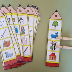 Preschool phonics - Identification of the initial sound of the word Orientacion Andujar Preschool Phonics, Jolly Phonics, Preschool Letters, Alphabet Activities, Preschool Learning, Preschool Activities, Community Helpers Preschool, Initial Sounds, Kindergarten Lessons