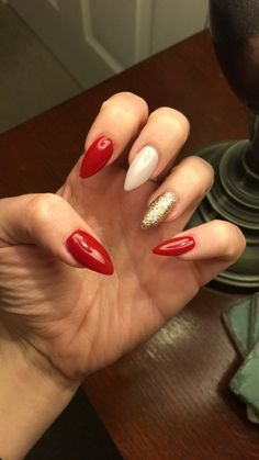 Red, gold and nude nails ❤