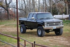 Pretty much my dream truck right here. Not exactly, but darn close! 87 Chevy Truck, Lifted Chevy Trucks, C10 Trucks, Pickup Trucks, Square Body, Diesel Trucks, Cummins Diesel, Classic Trucks, Classic Cars