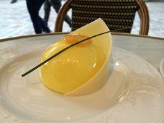 Dôme jasmin chocolat blanc et citron vert. C.Pouchkine